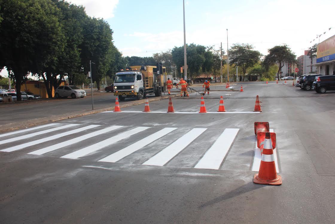 Restauração e sinalização da faixa de pedestre Junior Brunelli