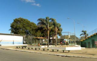 Construção de praça com parque Junior Brunelli