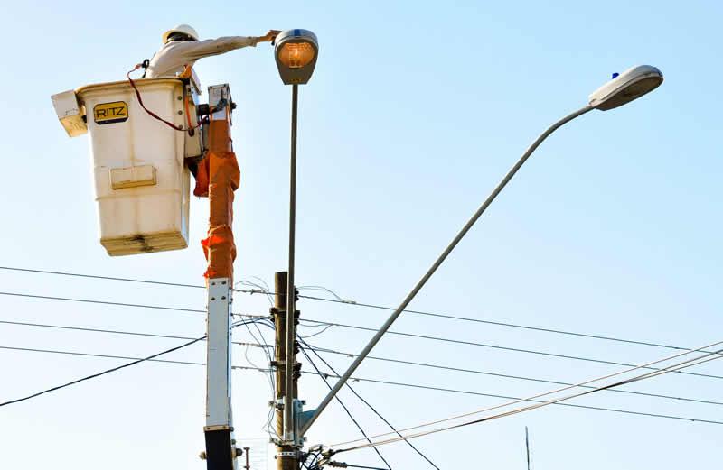 Urgente melhoria na iluminação da QSF 08 Junior Brunelli