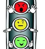 Brunelli sugere ao Senhor Diretor do DETRAN-DF, a implantação de dois semáforos nos locais que menciona.