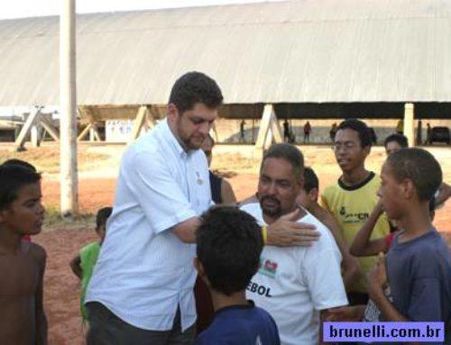 Junior Brunelli no Guará e no parque apresentou importantes emendas ao Projeto de Lei